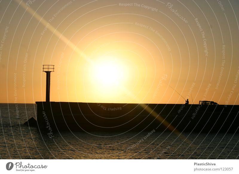 Fishing during sunset Sonne Meer See Wärme Frieden Freizeit & Hobby Physik genießen Anlegestelle Leuchtturm Angeln Atlantik Himmelskörper & Weltall Gran Canaria