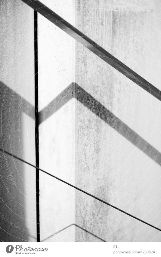 rampe im licht Wand Mauer Linie ästhetisch Treppengeländer eckig