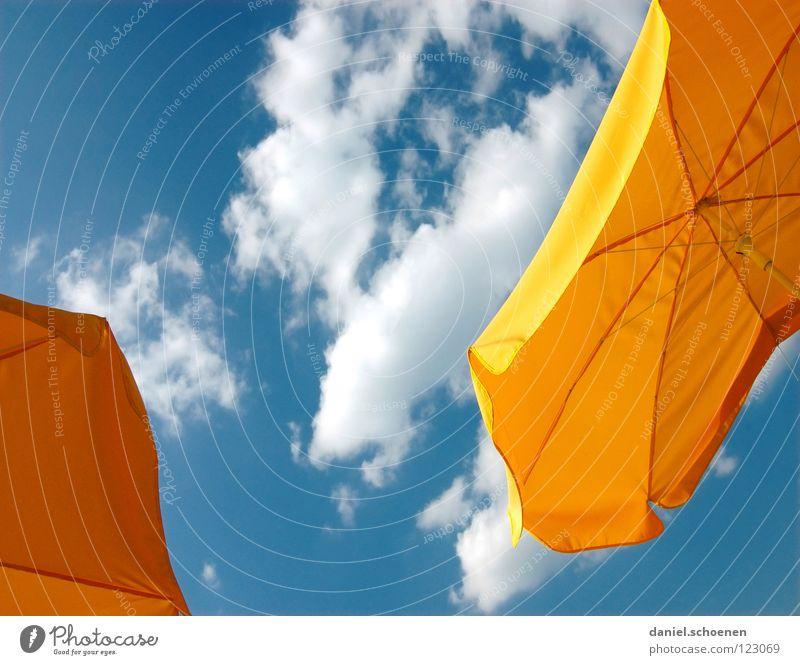 Milchkaffee auf der Terasse Sommer Frühling Sonnenschirm Wolken schön Physik Hintergrundbild Pause Freizeit & Hobby Café gelb weiß zyan abstrakt Gastronomie