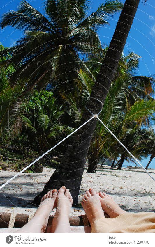 urlaubsfeeling Mensch Himmel Ferien & Urlaub & Reisen Sommer Erholung Meer ruhig Ferne Strand Wärme Leben Glück Freiheit Fuß liegen träumen
