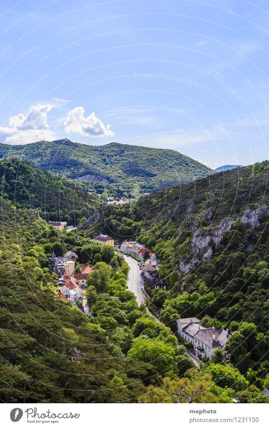 Hinter den Bergen... Ferien & Urlaub & Reisen Tourismus Städtereise Haus Natur Landschaft Himmel Wolken Schönes Wetter Baum Wald Hügel Felsen Mödling Österreich