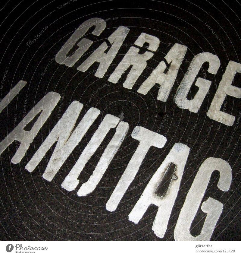 des landtags garage Graffiti Schilder & Markierungen fahren Schriftzeichen Buchstaben Amerika parken Politik & Staat Örtlichkeit Ausfahrt Einfahrt Regierung