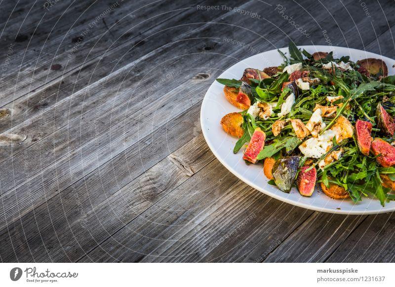 rucola salat mit feigen Lebensmittel Salat Salatbeilage Brot Ernährung Abendessen Picknick Bioprodukte Diät Slowfood Teller Lifestyle Gesunde Ernährung Fitness