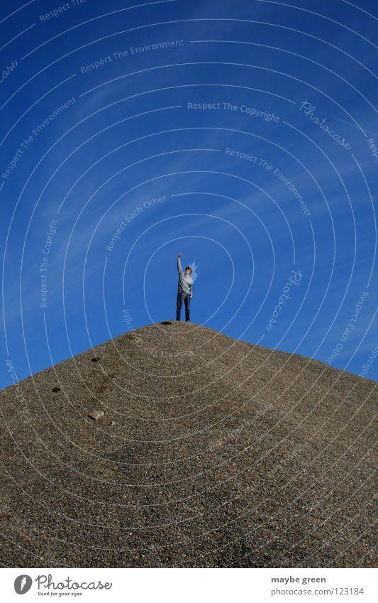 gipfelstürmer grau Erfolg Wolken Bergsteigen Gipfel Sommer Mann steil klein Freude blau Himmel Berge u. Gebirge Stein Klettern oben Spitze Held Erde Aussicht