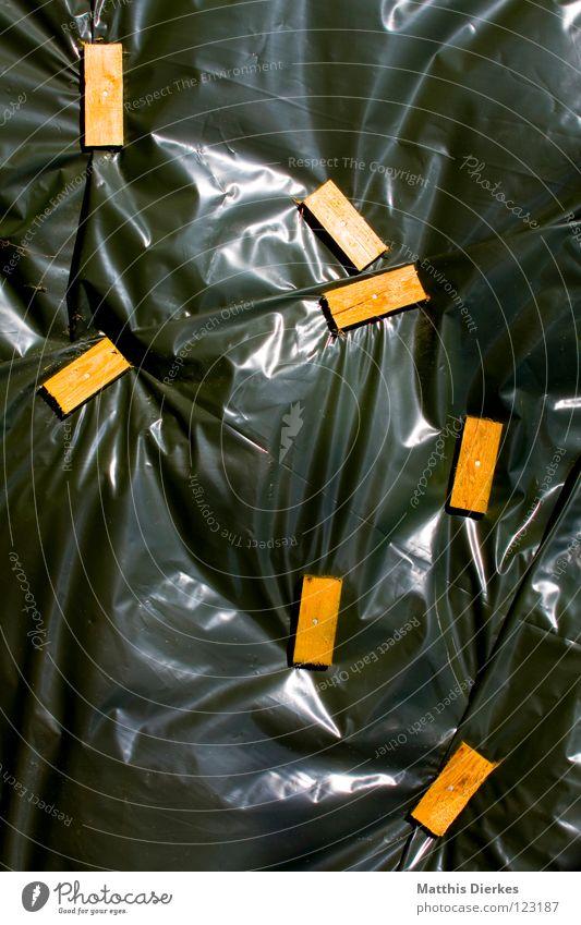 Hinter Schloss und Riegel Holz Industrie Schutz Kunststoff Holzbrett Kunststoffverpackung Abdeckung Befestigung industriell befestigen