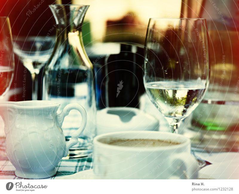SommerLunch Erholung Glas authentisch Ernährung genießen Getränk Geschirr Tasse Karaffen Milchkanne
