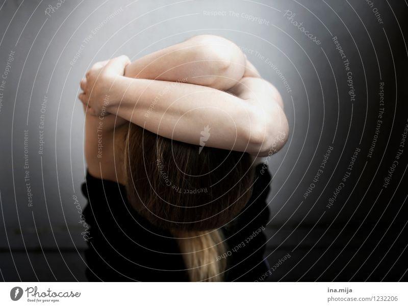 nein! Mensch feminin Junge Frau Jugendliche Erwachsene Leben 13-18 Jahre Kind 18-30 Jahre schwarz Traurigkeit Sorge Trauer Tod Appetit & Hunger Durst