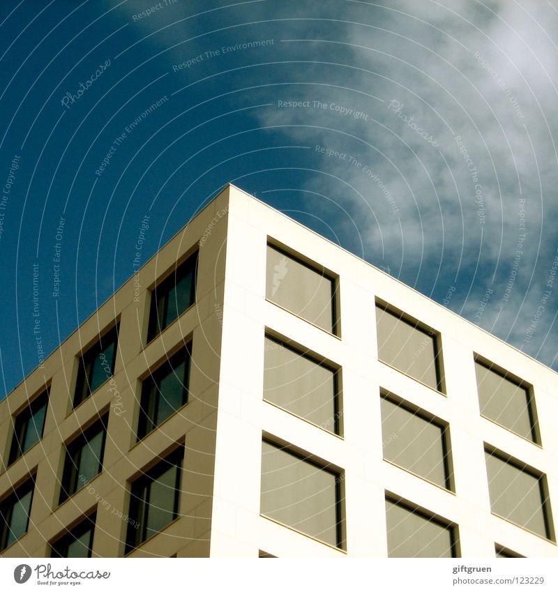 cube farm Bürogebäude Quadrat Fenster Fassade Arbeit & Erwerbstätigkeit Jalousie dreidimensional modern Himmel cubicle Würfel blau Architektur