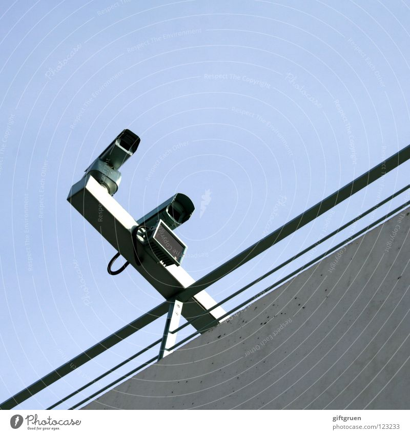 ministry of love Überwachung Überwachungskamera Überwachungsstaat utopisch Sicherheit privat Privatsphäre Detailaufnahme Elektrisches Gerät