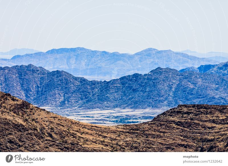 Stufendenken Natur Ferien & Urlaub & Reisen Einsamkeit Landschaft Ferne dunkel Umwelt Berge u. Gebirge Wärme Felsen Horizont wild Tourismus Abenteuer Urelemente