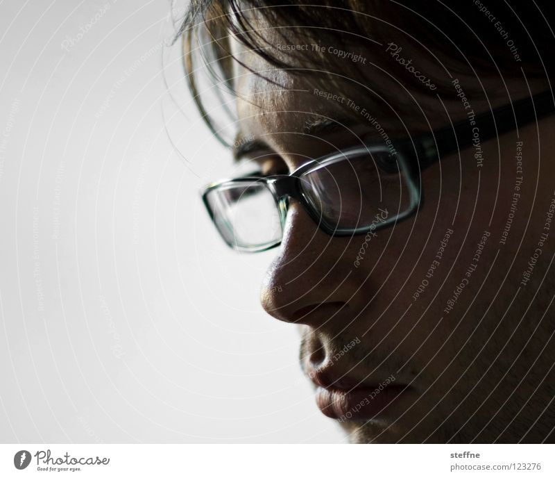 Call me Brille Mann Kerl gehorsam böse erstaunt Überraschung Selbstportrait Porträt Bart lässig Lippen gestört ernst Denken Konzentration Trauer Unglaube