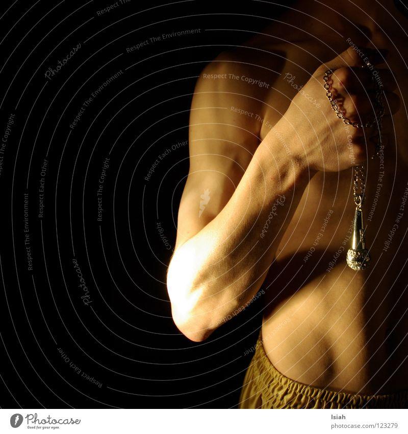 gibmer äs mic Hand schwarz dunkel Musik Haut Arme Konzert Schmuck Bauch Kette Mikrofon Muskulatur 50 Anschnitt Faust
