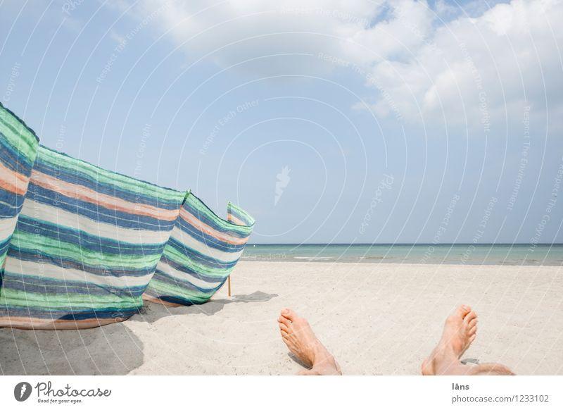 lang machen Ostsee Meer maritim Strand Sand liegen Fuß Himmel Erholung Pause ausruhend Ferien & Urlaub & Reisen Windschutz