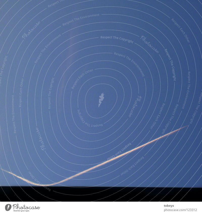 PingPong Himmel Ferien & Urlaub & Reisen blau weiß schwarz springen dreckig Luftverkehr Beginn Ecke Flugzeug Ball Richtung Flughafen hüpfen Wechseln