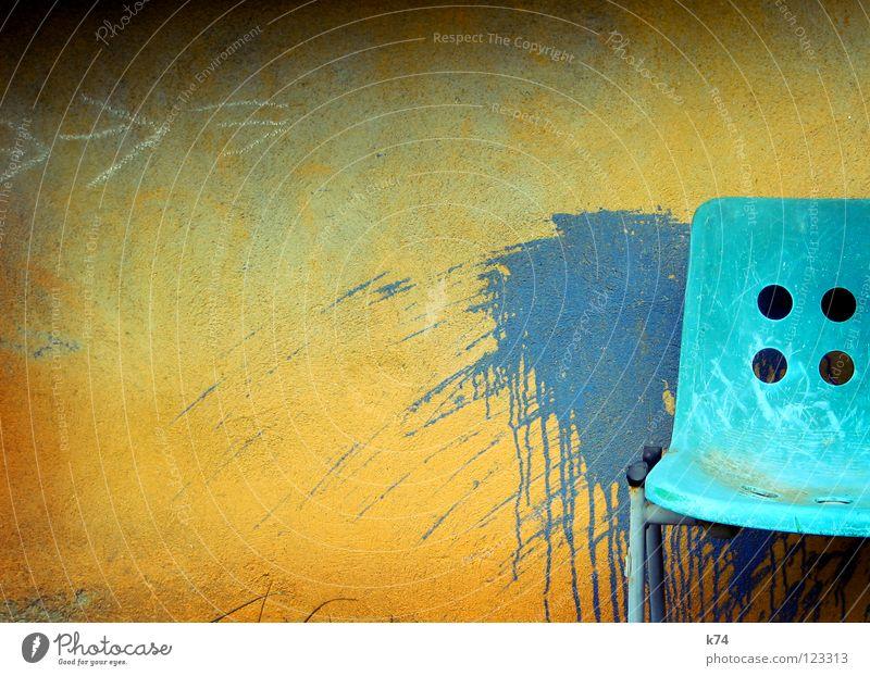 COLOR ME blau grün Freude Farbe gelb Wand Garten orange Platz frisch Fröhlichkeit Stuhl verfallen Pfeil türkis Statue