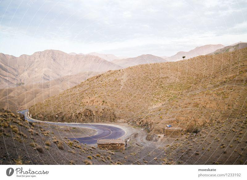 Atlas - Marokko Landschaft Erde Sand Himmel Wolken Horizont Sommer Schönes Wetter Dürre Baum Hügel Felsen Berge u. Gebirge Ferien & Urlaub & Reisen Straße