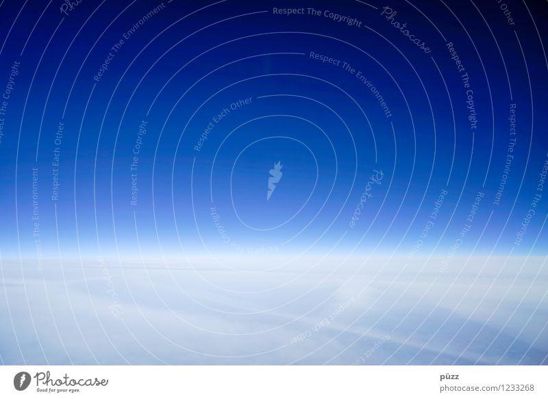 Deep Blue Sky Natur Ferien & Urlaub & Reisen blau weiß Sonne Wolken Ferne kalt Umwelt Glück Freiheit fliegen oben Horizont Wetter Luft
