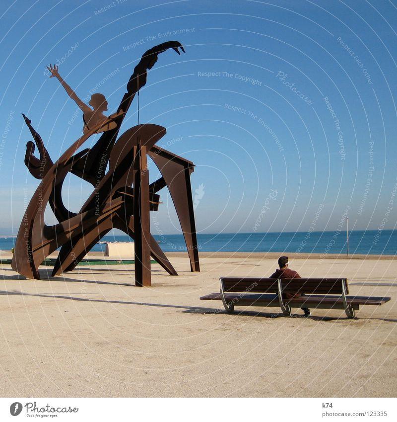 MONISM - DUALISM blau Meer Sommer Strand Einsamkeit ruhig Ferne Erholung Bewegung braun Bank Denkmal analog Rost Wahrzeichen Dynamik
