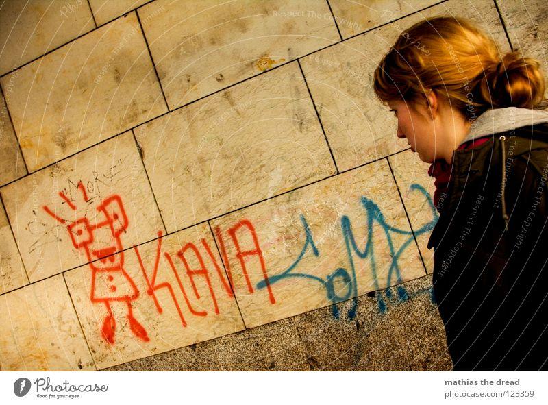 KLAVA Frau Mensch blau rot Einsamkeit gelb Farbe kalt feminin Wand Stil Linie Graffiti Kunst blond