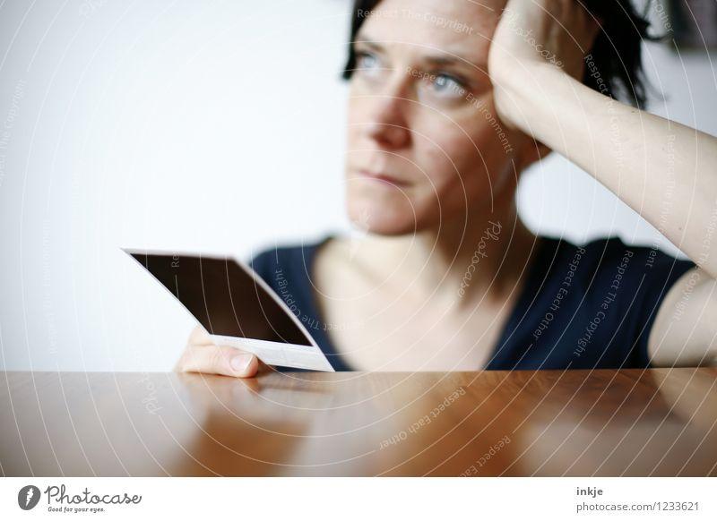 das waren noch Zeiten II Mensch Frau Erwachsene Gesicht Leben Traurigkeit Gefühle Denken Lifestyle Stimmung träumen Freizeit & Hobby Fotografie Vergänglichkeit Trauer Sehnsucht
