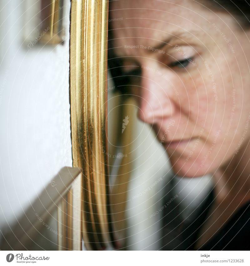 missing... Mensch Frau Einsamkeit Erwachsene Gesicht Leben Traurigkeit Gefühle Tod Denken Lifestyle Stimmung Vergänglichkeit Trauer Erinnerung stagnierend