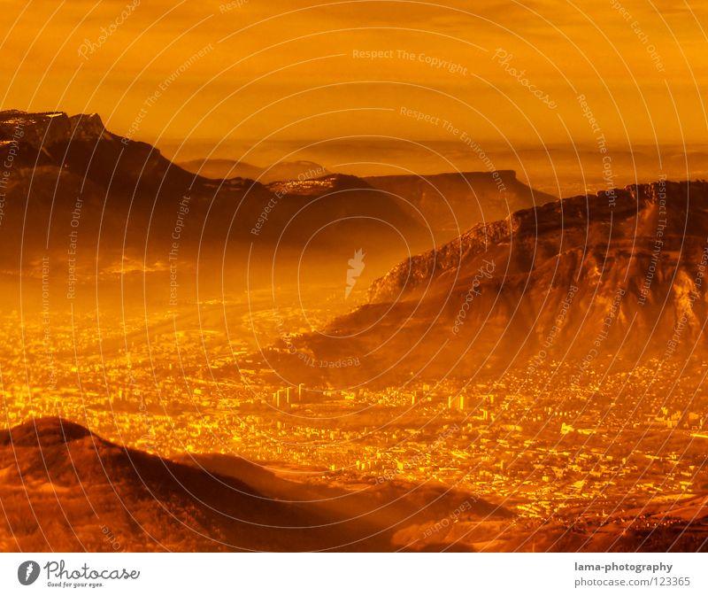 Visions: Welcome to Mars! Wasser Himmel Baum Meer Stadt Wolken Farbe Lampe Schnee Berge u. Gebirge träumen See Erde orange Feld Nebel