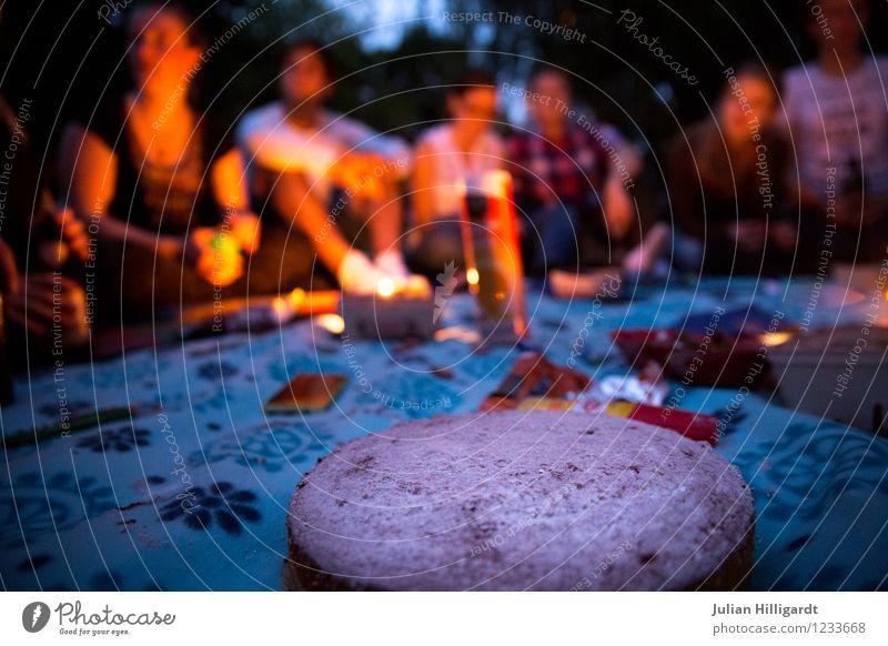 backe backe Kuchen Lifestyle Tourismus Ausflug Abenteuer Freiheit Sommerurlaub Garten Mensch Freundschaft Menschengruppe 18-30 Jahre Jugendliche Erwachsene