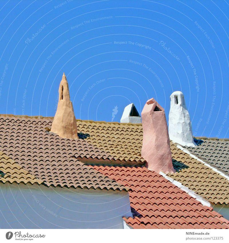 Individuality Dach Backstein Dachziegel Ferien & Urlaub & Reisen Haus Schornstein Dachgiebel Rauch mehrere eckig Dreieck Quadrat mehrfarbig weiß himmelblau