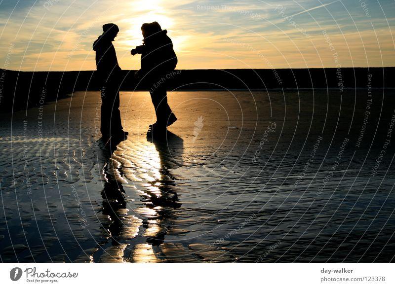 day-walker´s II Meer Strand Wellen Reflexion & Spiegelung Stimmung Dämmerung Sonnenuntergang Wolken Erde Sand Küste Spuren Stranddüne reflektion Mensch