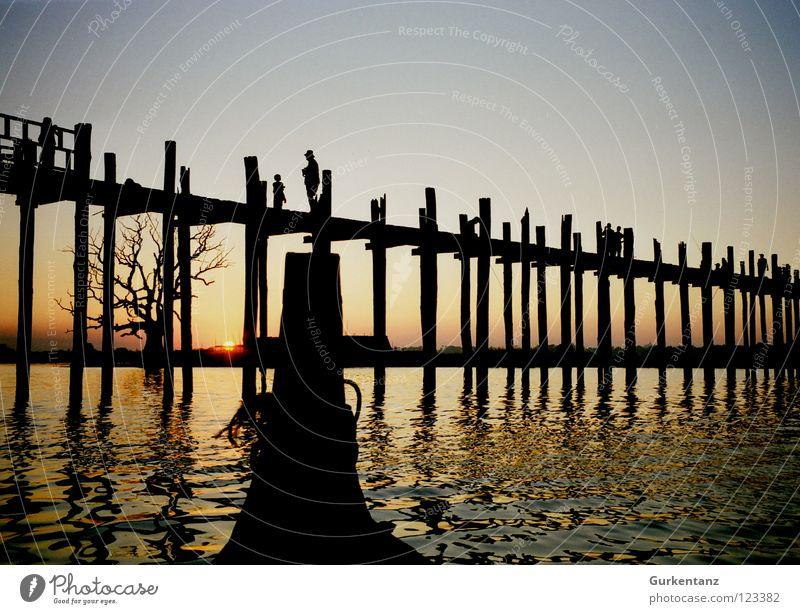 Galionsfigur Wasser Holz See Wasserfahrzeug Brücke Asien Schifffahrt Abenddämmerung Pfosten Myanmar Teak Mandalay Holzbrücke
