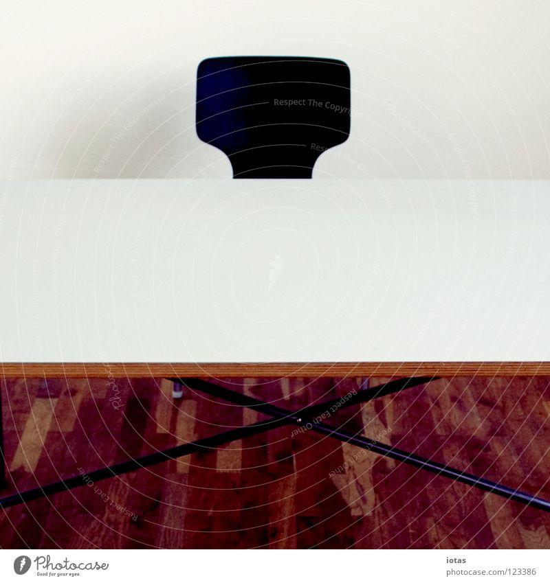 . Tisch Wand Parkett Laminat sehr wenige Rechteck Geometrie Sitzgelegenheit leer Echo Menschenleer Mittagspause Wissenschaften Büro Stuhl