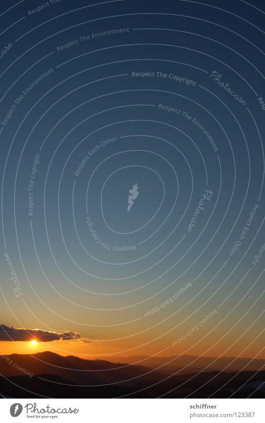 Schwarzwald-Postkarte, hoch Natur schön Himmel Sonne ruhig Wolken Ferne Erholung Berge u. Gebirge Vergänglichkeit Hügel Gelassenheit Abenddämmerung Südtirol Schwarzwald Farbverlauf