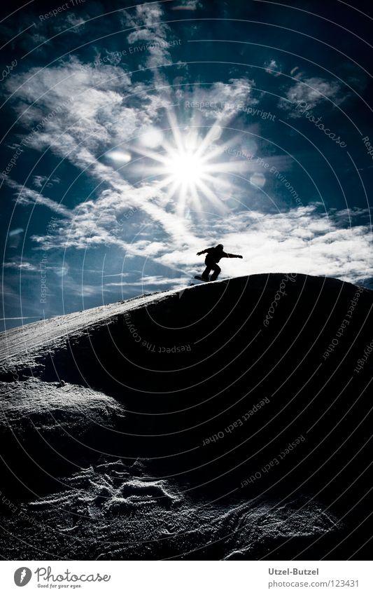 neues Land Himmel Jugendliche blau Sonne Freude Wolken ruhig Schnee Spielen Freiheit Glück Freundschaft Aktion Unendlichkeit harmonisch Snowboard