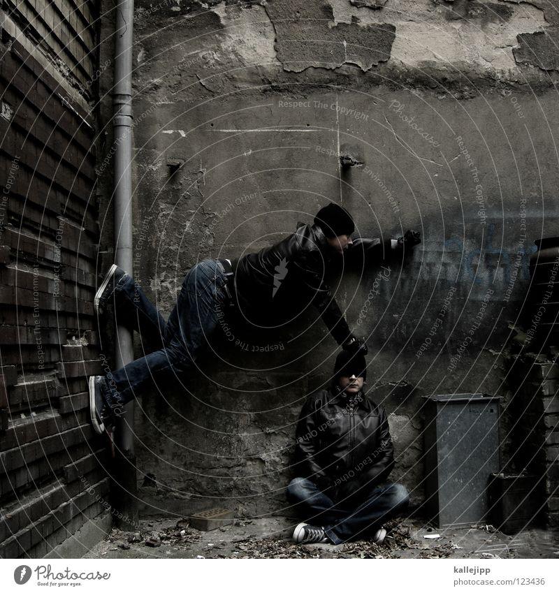 stand on me Mann Silhouette Dieb Krimineller Rampe Laderampe Fußgänger Schacht Tunnel Untergrund Ausbruch Flucht umfallen Fenster Parkhaus Geometrie Gegenlicht