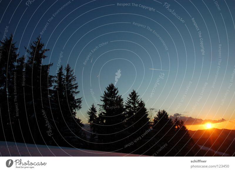 Schwarzwald-Postkarte, quer Sonnenuntergang Sonnenstrahlen Abend Wolken Ferne Erholung Gelassenheit Vergänglichkeit ruhig Hügel Mittelgebirge Farbverlauf Baum