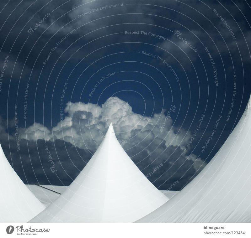 Modern Nomads Himmel weiß blau Ferien & Urlaub & Reisen Wolken dunkel Feste & Feiern Seil schlafen modern Bar Freizeit & Hobby Wüste Schutz Häusliches Leben Vergänglichkeit