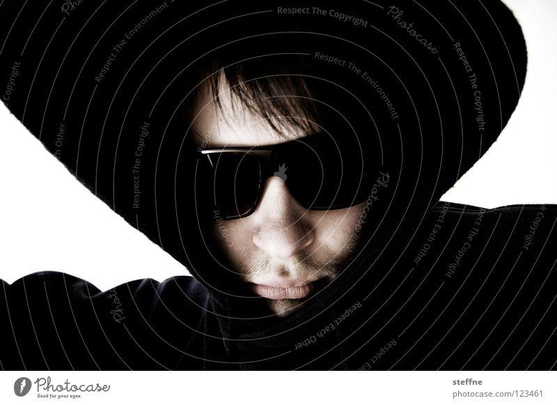 It's cool, man! Porträt Sonnenbrille Kapuze Kapuzenpullover gefährlich gnadenlos Krimineller Mann steffne self Coolness Außerirdischer Selbstprotrait sunglasses