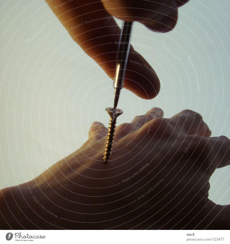 biological reparations pt.1 klein nah Hand Finger manuell spreizen Schraube drehen Handrücken Gefäße Schraubendreher Werkzeug Arbeit & Erwerbstätigkeit