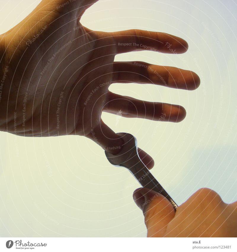 biological reparations pt.2 klein nah Hand Finger manuell spreizen Schraubenschlüssel Schlüssel drehen Handrücken Gefäße Schraubendreher Werkzeug