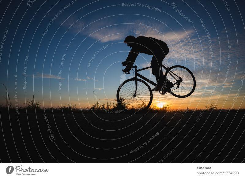 bremsen Mensch Himmel Ferien & Urlaub & Reisen Mann Sommer Landschaft Freude Erwachsene Berge u. Gebirge Leben Gras Sport Freiheit Lifestyle Horizont Freizeit & Hobby