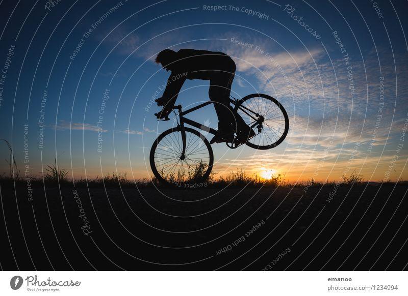 Bremskraft Mensch Himmel Ferien & Urlaub & Reisen Mann Freude Ferne Erwachsene Stil Sport Lifestyle Freiheit Körper Kraft Fahrrad Geschwindigkeit Ausflug