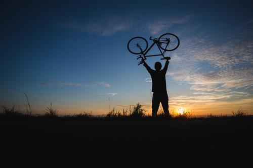 bike hero Lifestyle Stil Freude sportlich Fitness Zufriedenheit Erholung Freizeit & Hobby Ferien & Urlaub & Reisen Tourismus Ferne Freiheit Fahrradtour Sommer