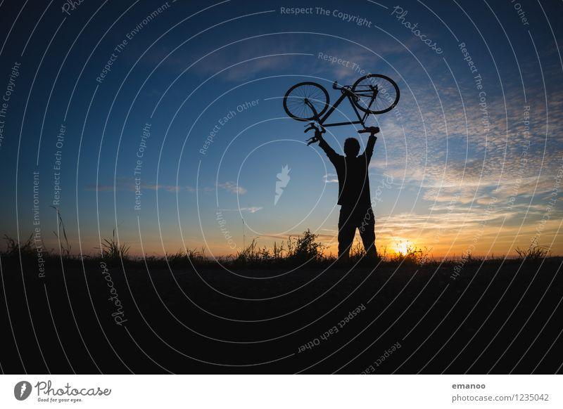 bike hero Mensch Himmel Ferien & Urlaub & Reisen Mann Sommer Erholung Freude Ferne Berge u. Gebirge Erwachsene Stil Sport Lifestyle Freiheit Tourismus Zufriedenheit