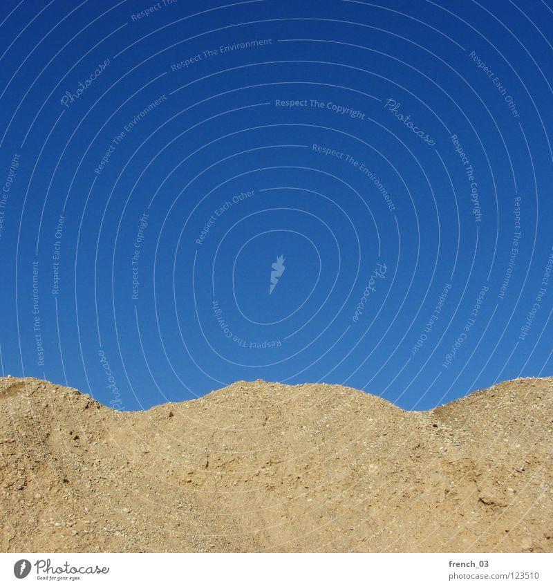 Up and down rund Hügel zyan Kies leer sehr wenige oben Licht himmelblau Himmel Vorsicht Steigung Ecke Berge u. Gebirge Stein Mineralien Sand Schönes Wetter