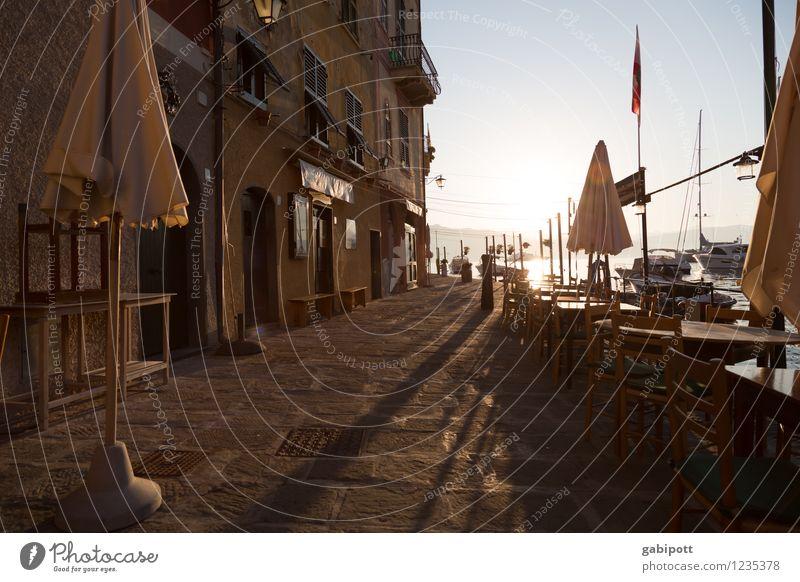 verdammt früh Ferien & Urlaub & Reisen Tourismus Ausflug Abenteuer Freiheit Städtereise Sommerurlaub Sonne Strand Meer Sonnenlicht Portofino Italien Mittelmeer