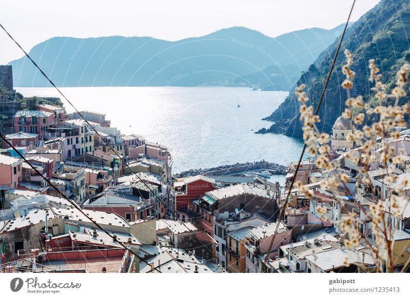 Vernazza Himmel Natur Ferien & Urlaub & Reisen blau Sommer Sonne Erholung Meer Strand Berge u. Gebirge Küste Gebäude Lebensfreude Europa Schönes Wetter Italien