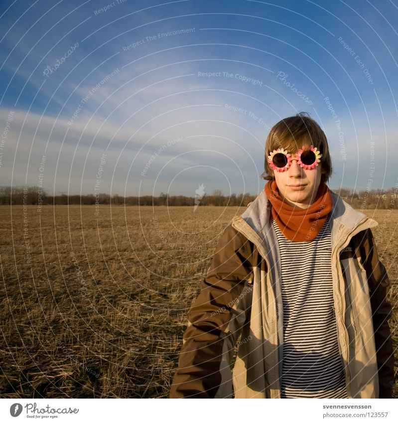 Geldübergabe Begrüßung Mann Krimineller Lösegeld Sonnenbrille Schal Jacke Feld Wolken Entführer Dieb Mensch Junge korrupt Korruption Schmiergeld Maske
