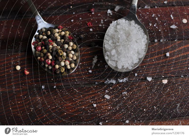 Salz Pfeffer Lebensmittel Essen Mittagessen Diät Küche Farbfoto Detailaufnahme Makroaufnahme Menschenleer