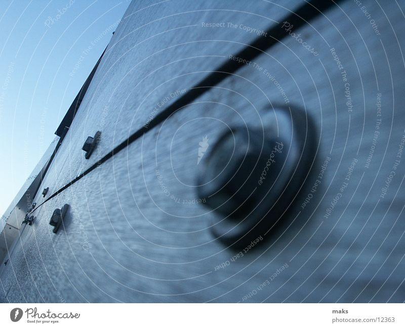 loisium Aluminium Schraube Architektur steven holl langenlois Metall gebürstet blau silber