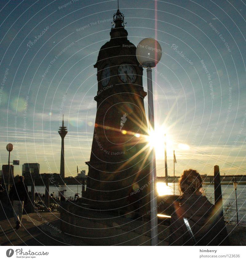 sun set case Sonne Winter Stimmung groß Brücke Spaziergang Turm Düsseldorf Rhein